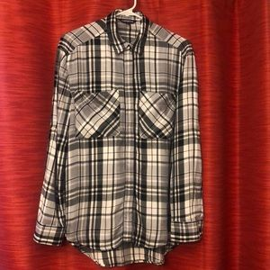 Express button shirt
